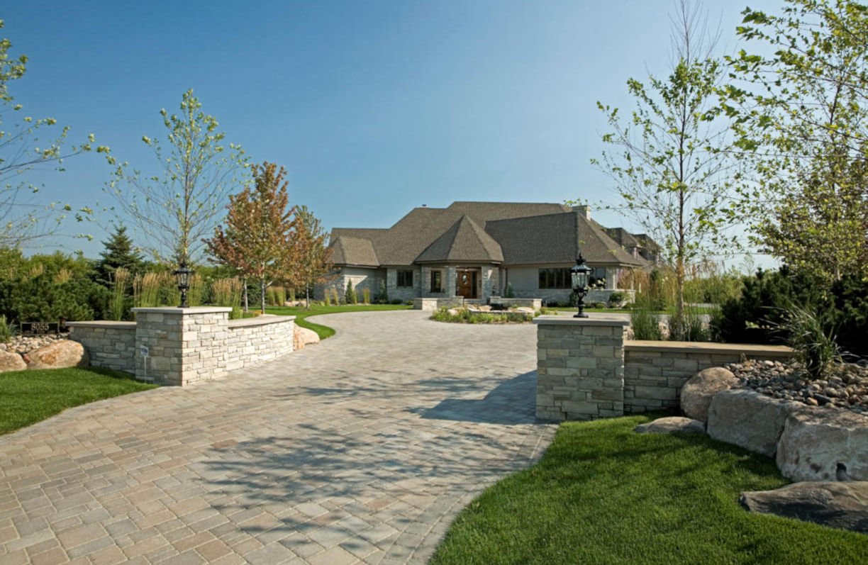 Credit River Estate first impression by RDS Architects